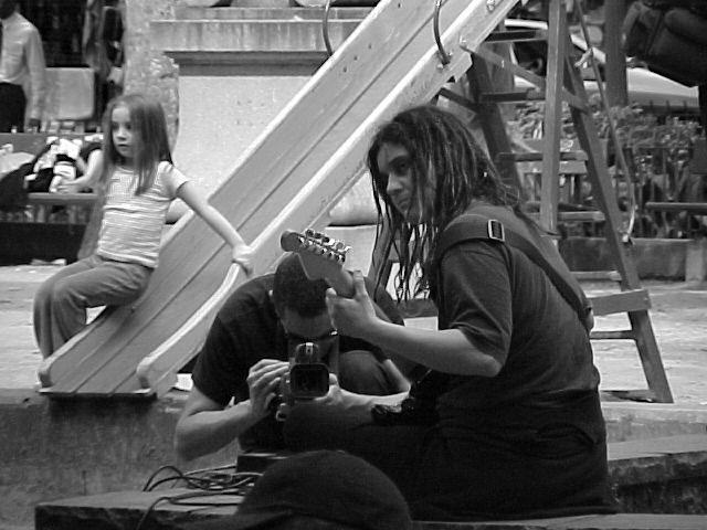 Laura_ Transeuntes _ Praca da Alfandega_ nov2003